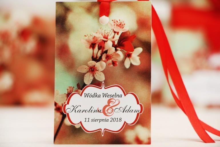 Zawieszka na butelkę, wódka weselna, ślub - Felicja nr 8 - Kwiaty wiśni - kwiatowe dodatki ślubne