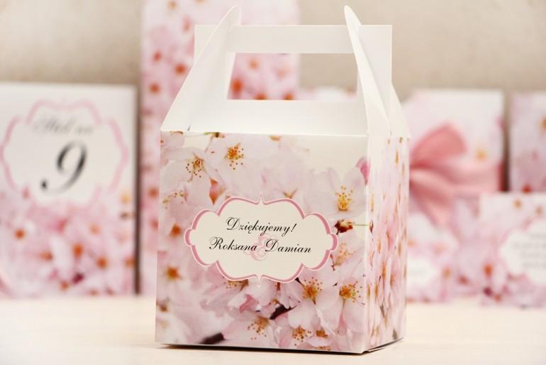 Pudełko na ciasto kwadratowe, tort weselny - Felicja nr 13 - Kwiaty wiśni - kwiatowe dodatki ślubne