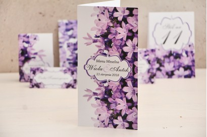 Menu weselne, stół weselny - Felicja nr 14 - Fioletowe kwiaty - kwiatowe dodatki ślubne