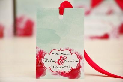 Zawieszka na butelkę, wódka weselna, ślub - Felicja nr 15 - Amarantowe kwiaty - kwiatowe dodatki ślubne