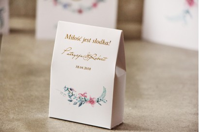 Pudełeczko na cukierki, podziękowania dla Gości weselnych - Cykade nr 8 ze złoceniem - Pastelowe kwiaty fiołka