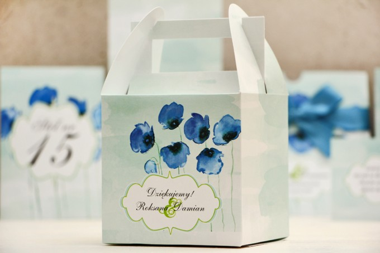 Pudełko na ciasto kwadratowe, tort weselny - Felicja nr 18 - Chabrowe maki - kwiatowe dodatki ślubne