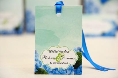 Zawieszka na butelkę, wódka weselna, ślub - Felicja nr19 - Niebieskie hortensje - kwiatowe dodatki ślubne