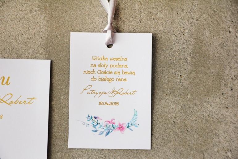 Zawieszka na butelkę, Wódka weselna, ślub - Cykade nr 8 ze złoceniem - Pastelowy wzór z fiołkami