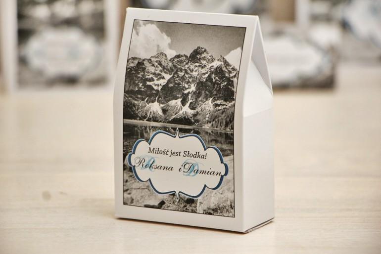 Pudełeczko stojące na cukierki, podziękowania dla Gości weselnych - Felicja nr 21 - Górski krajobraz - dodatki ślubne