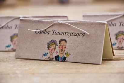 Winietki na stół weselny, ślub - Presto - Rustykalne ze sznurkiem i papierem ekologicznym, rysunek Pary Młodej