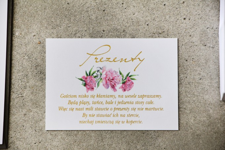 Bilecik prezenty ślubne wesele - Cykade nr 10 ze złoceniem - Delikatne różowe piwonie