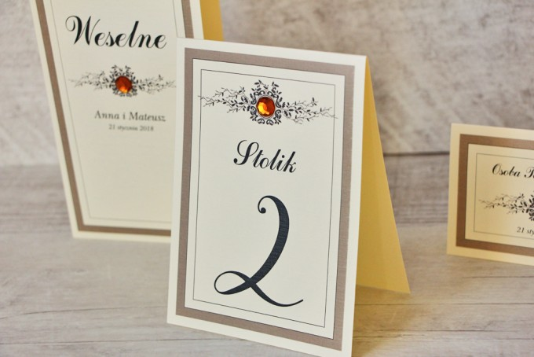 Numery stolików, stół weselny, ślub - Z Koronką nr 4 - Brązowe z bursztynową cyrkonią, eleganckie dodatki ślubne