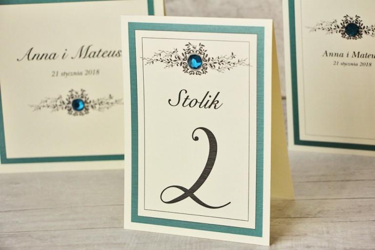 Numery stolików, stół weselny, ślub - Z Koronką nr 5 - Szmaragdowe akcenty, eleganckie dodatki ślubne