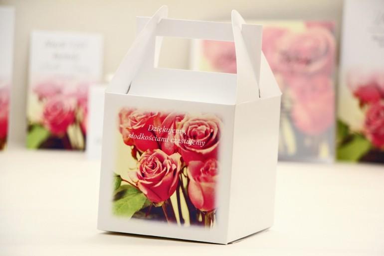 Pudełko na ciasto kwadratowe, tort weselny - Elegant nr 1 - Eleganckie róże - kwiatowe dodatki ślubne