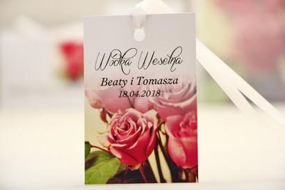 Zawieszka na butelkę, wódka weselna, ślub - Elegant nr 1 - Eleganckie róże - kwiatowe dodatki ślubne
