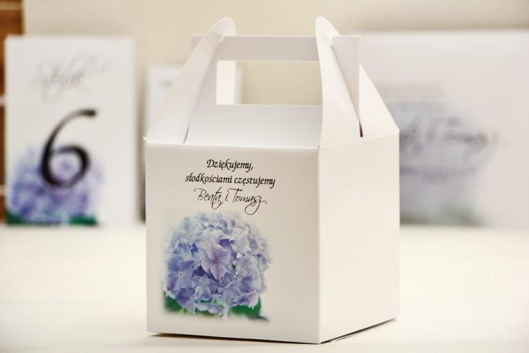 Pudełko na ciasto kwadratowe, tort weselny - Elegant nr 2 - Niebieskie hortensje- kwiatowe dodatki ślubne