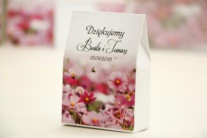 Pudełeczko stojące na cukierki, podziękowania dla Gości weselnych - Elegant nr 5 - Fioletowe kwiaty - Kwiatowe dodatki ślubne