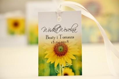Zawieszka na butelkę, wódka weselna, ślub - Elegant nr 8 - Letnie żółte słoneczniki - kwiatowe dodatki ślubne