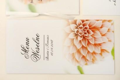 Menu weselne, stół weselny - Elegant nr 9 - Łososiowe dalie - Eleganckie kwiatowe wzory - dodatki ślubne