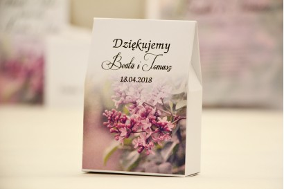 Pudełeczko stojące na cukierki, podziękowania dla Gości weselnych - Elegant nr 11 - Fioletowe bzy - Kwiatowe dodatki ślubne