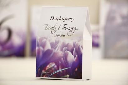Pudełeczko stojące na cukierki, podziękowania dla Gości weselnych - Elegant nr 14 - Fioletowe krokusy - Kwiatowe dodatki ślubne