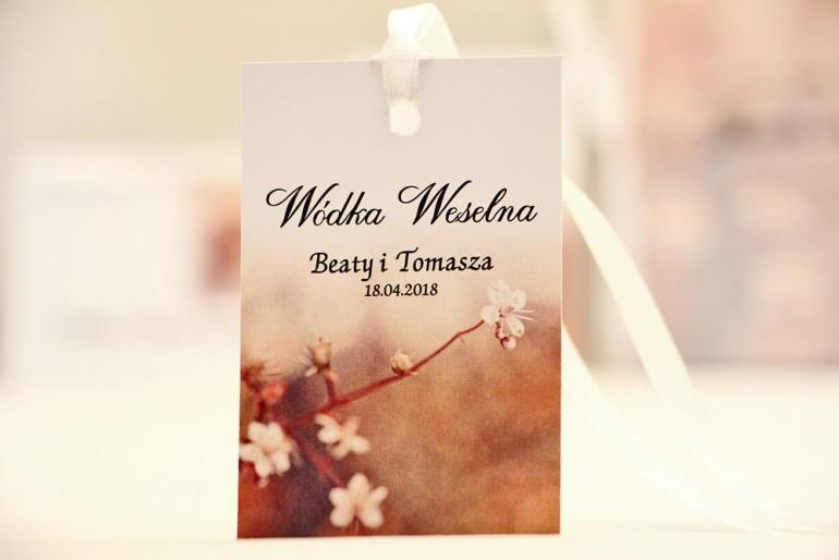 Zawieszka na butelkę, wódka weselna, ślub - Elegant nr 16 - Kwiaty jabłoni - kwiatowe dodatki ślubne