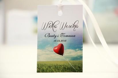 Zawieszka na butelkę, wódka weselna, ślub - Elegant nr 19 - Czerwony balonik - kwiatowe dodatki ślubne