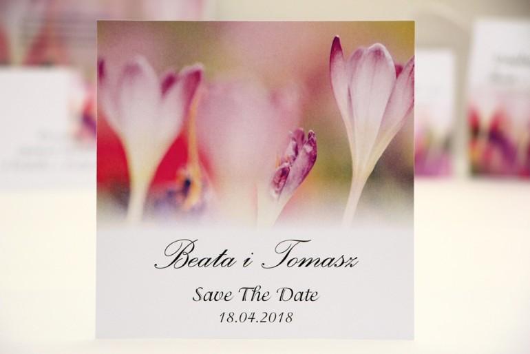 Bilecik Save The Date do zaproszenia ślubnego - Elegant nr 24 - Delikatne wiosenne krokusy