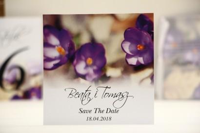 Bilecik Save The Date do zaproszenia ślubnego - Elegant nr 26 - Fioletowe krokusy