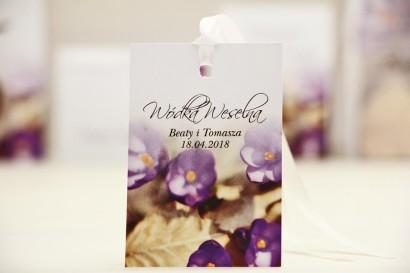 Zawieszka na butelkę, wódka weselna, ślub - Elegant nr 26 - krokusy - kwiatowe dodatki ślubne