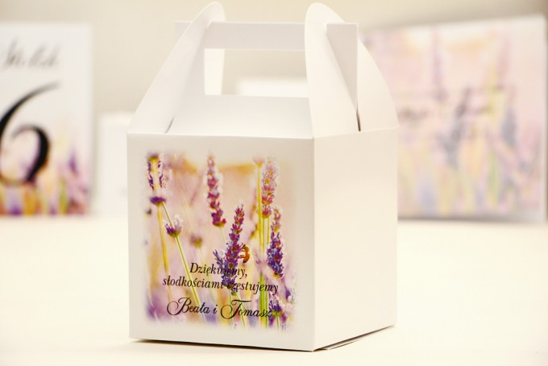Pudełko na ciasto kwadratowe, tort weselny - Elegant nr 28 - Lawendowe - kwiatowe dodatki ślubne