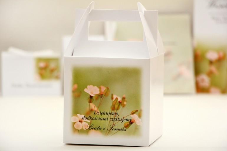 Pudełko na ciasto kwadratowe, tort weselny - Elegant nr 29 - Polne kwiaty - kwiatowe dodatki ślubne