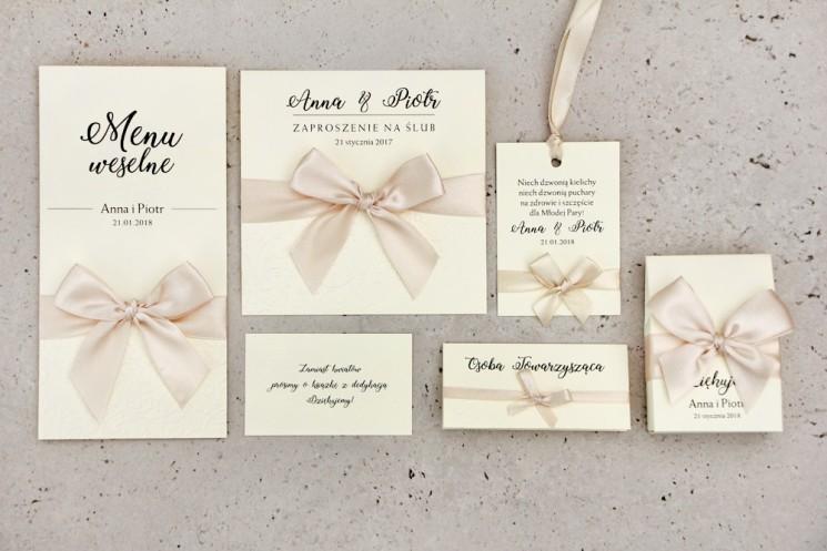 Zaproszenie ślubne z dodatkami - Belisa nr 5 - Kremowe ecru - Z elegancką kokardą i tłoczeniem
