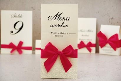 Menu weselne, stół weselny - Belisa nr 7 - Amarantowa kokarda - dodatki ślubne z tłoczeniem