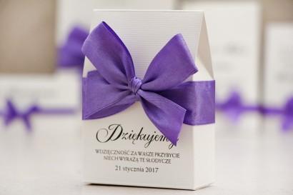 Pudełeczko stojące na cukierki, podziękowania dla Gości weselnych - Belisa nr 4  - Fioletowa kokarda, eleganckie dodatki ślubne