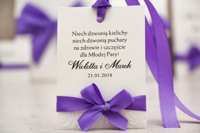 Zawieszka na butelkę, wódka weselna, ślub - Belisa nr 4 - Fioletowe - Dodatki ślubne z kokardką