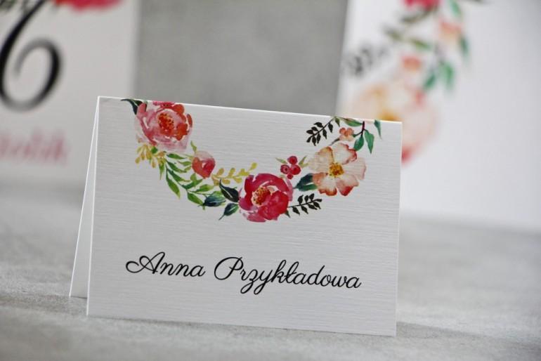 Winietki na stół weselny, ślub - Pistacjowe nr 3 - Intensywnie kolorowe kwiaty w barwach różu i łososiowym