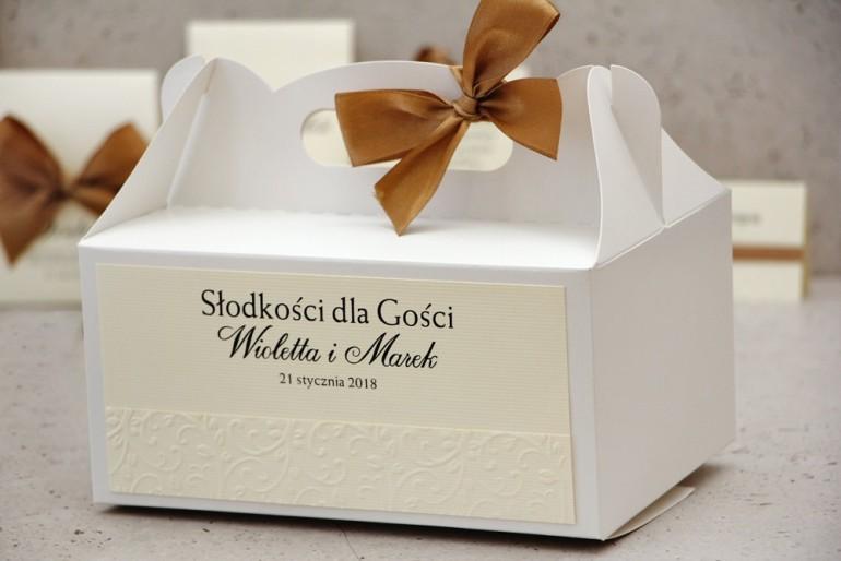 Prostokątne pudełko na ciasto, tort weselny, ślub - Belisa nr 1 - Brązowa kokardka, z tłoczeniem