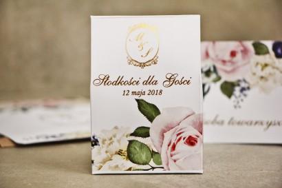 Pudełeczko stojące na cukierki, podziękowania dla Gości weselnych - Sorento nr 1 - dodatki ślubne ze złoceniem - Pudrowe kwiaty