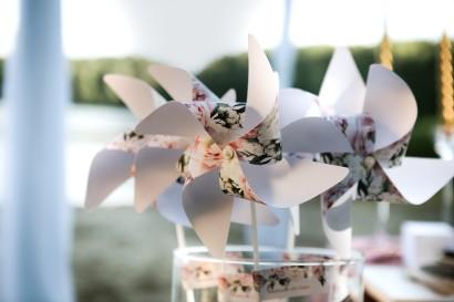 Wiatraczki - Sorento nr 1 - Dodatki ślubne ze złoceniem - Pudrowe delikatne kwiaty