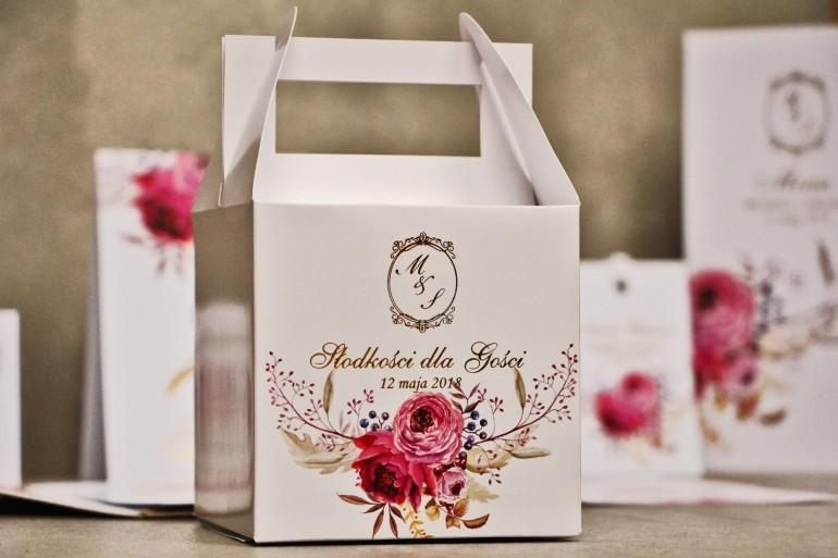 Pudełko na ciasto kwadratowe, tort weselny - Sorento nr 3 - Amarantowe kwiaty - dodatki ślubne ze złoceniem
