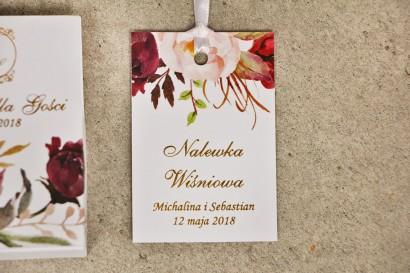 Zawieszka na butelkę, wódka weselna, ślub - Sorento nr 7 - Bordowo-pudrowe kwiaty - dodatki ślubne ze złoceniem