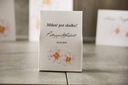 Pudełeczko stojące na cukierki, podziękowania dla Gości weselnych - Pistacjowe nr 4 - Delikatne pudrowe piwonie