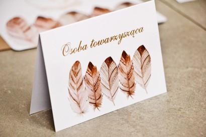 Winietki na stół weselny, ślub - Sorento nr 10 - Piórka boho - kwiatowe dodatki ślubne ze złoceniem