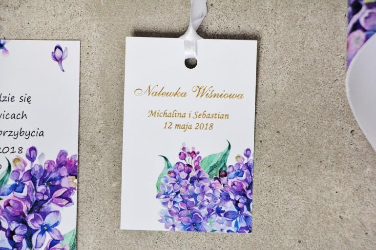 Zawieszka na butelkę, wódka weselna, ślub - Sorento nr 11 - Fioletowe kwiaty bzu - dodatki ślubne ze złoceniem