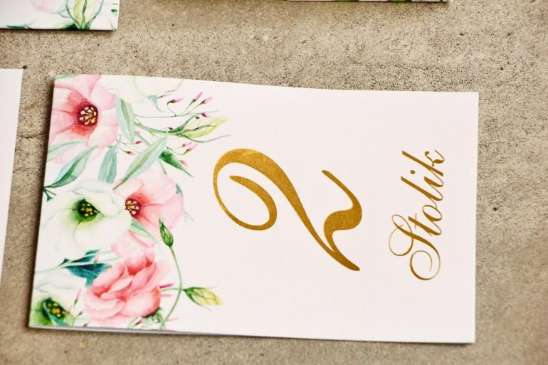 Numery stolików, stół weselny, ślub - Sorento nr 8 - Pastelowe kwiaty- dodatku ślubne ze złoceniem