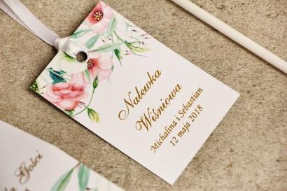 Zawieszka na butelkę, wódka weselna, ślub - Sorento nr 8 - Pastelowe kwiaty- dodatki ślubne ze złoceniem