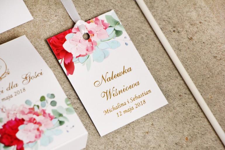 Zawieszka na butelkę, wódka weselna, ślub - Sorento nr 14 - Różowe kwiaty z eukaliptusem  - kwiatowe dodatki ślubne ze złoceniem