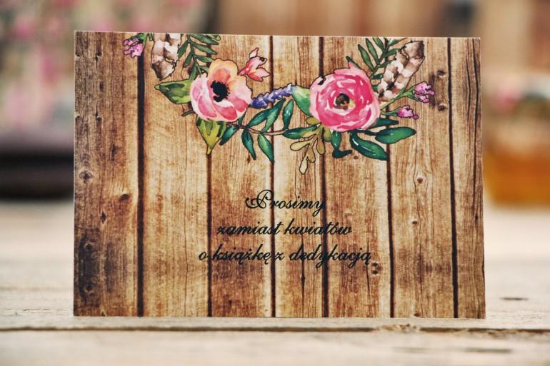 Bilecik do zaproszenia ślubnego, prezenty ślubne, wesele - Rustykalne nr 1 - Różowe kwiaty na tle drewna