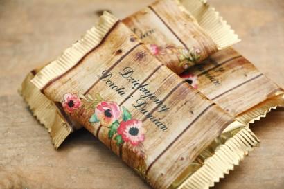 Czekoladki, podziękowania dla Gości weselnych - Rustykalne nr 2 - Różowa eustoma - dodatki ślubne