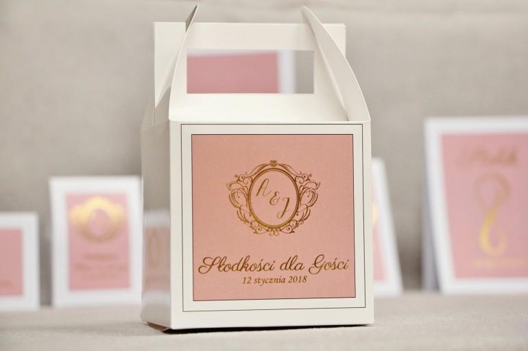 Pudełko na ciasto kwadratowe, tort weselny - Sonata nr 2 - Pudrowy róż i złoto - dodatki ślubne ze złoceniem