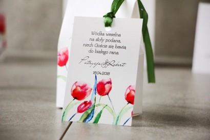 Zawieszka na butelkę, Wódka weselna, ślub - Pistacjowe nr 5 - Czerwone wiosenne tulipany