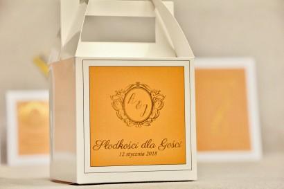 Pudełko na ciasto kwadratowe, tort weselny - Sonata nr 8 - Pomarańcz i złoto - dodatki ślubne ze złoceniem