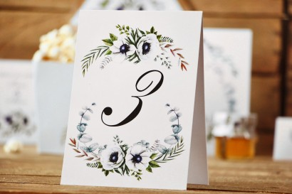 Numery stołów - Kalia nr 3 - białe anemony - dodatki ślubne, akcesoria na stół weselny